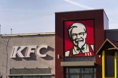 Logotipo internacional de la compañía del restaurante de los alimentos de preparación rápida de KFC el 25 de febrero de 2017 en P Imagen de archivo