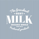 Logotipo isolado do vetor do leite Escrita branca Emblema da leiteria Etiqueta da velha escola Imagem de Stock Royalty Free