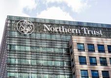 Logotipo ou sinal para a confiança do norte em Canary Wharf Imagens de Stock Royalty Free