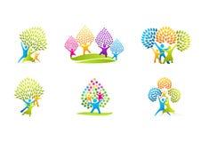 Logotipo sano de la familia, diseño natural del vector del concepto del cuidado del parenting Fotografía de archivo libre de regalías