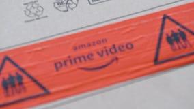 Logotipo video del Amazon Prime en el paquete del cart?n de la caja de cart?n metrajes