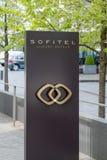 Logotipo y muestra - retrato de Sofitel imagen de archivo