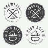 Logotipos del alpinismo del vintage, insignias, emblemas Foto de archivo libre de regalías