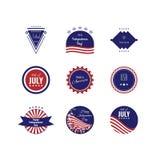 Logotipos del Día de la Independencia de los E.E.U.U. Conjunto de insignias El 4to og julio Colores de la bandera americana Fotos de archivo libres de regalías
