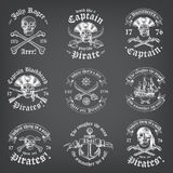 Logotipos del pirata de la muerte de la pizarra Imagen de archivo