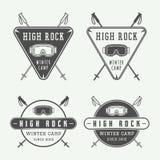 Logotipos dos esportes da snowboarding ou de inverno do vintage, crachás, emblemas Fotos de Stock Royalty Free
