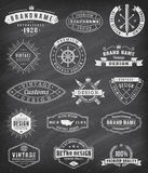 Logotipos e insignas del vintage del grunge del vector ilustración del vector