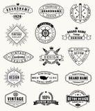 Logotipos e insignas del vintage del grunge del vector stock de ilustración