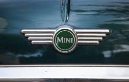 Logotyp Mini Cooper, zamyka w górę fotografii Fotografia Royalty Free