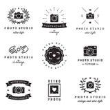 Logoweinlese-Vektorsatz des Friseursalons (Friseursalon) Hippie und Retrostil Stockfotografie