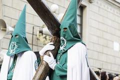 LOGROï-¿ ½ O, RIOJA, SPANIEN - 15. April: Karwoche, religiöse Traditionsprozession mit Leuten in den typischen Kostümen 201 am 15 Lizenzfreie Stockfotografie