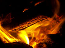 Logs burning in fire Royalty Free Stock Images