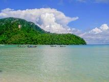 Loh Dalam海湾在天,披披岛泰国之前 库存照片