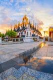 Loha Prasat metallslott på den Wat ratchanaddaen, Bangkok, Thailand Royaltyfri Foto