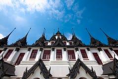 Loha Prasat på Wat Ratchanadda Arkivfoto
