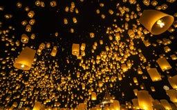 Loi Krathong节日-清迈-泰国 库存图片
