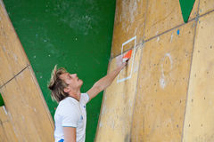 Loic Gaidioz, Vail bouldering qualification Royalty Free Stock Image