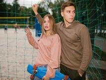 Loisirs romans d'amour de relations de date d'adolescent Images libres de droits