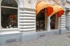 Loja da arte com pinturas em Dortmund, Alemanha fotografia de stock