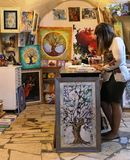 A loja da arte nos artistas divide, Safed, Israel foto de stock