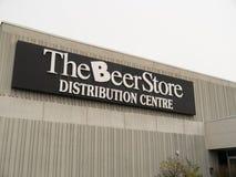 A loja da cerveja imagens de stock royalty free