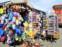 Loja da praia do cais, Skegness Fotografia de Stock