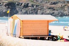 Loja da ressaca na praia Fotografia de Stock Royalty Free
