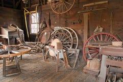 Loja da roda do carro do Victorian Fotos de Stock