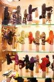 Loja das luvas de Veneza, Itália Imagem de Stock