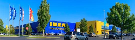 Loja das mobílias para a casa de IKEA Localizado nas cascatas Pkwy Portland, ou imagem de stock