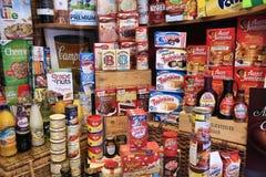 Loja de alimento internacional Fotografia de Stock