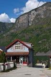Loja de alimento pequena no fjord Fotografia de Stock