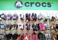 Loja de Crocs Fotografia de Stock Royalty Free