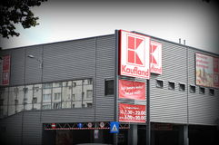Loja de Kaufland, supermercado Imagem de Stock
