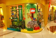Loja de Lego em Shanghai imagem de stock royalty free