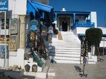 Loja de lembrança e DES Nattes do café. Sidi Bou Said. Tunísia Imagem de Stock