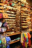 Loja de lembranças no bazar grande Istambul fotos de stock royalty free