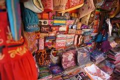 Loja de matéria têxtil em Kathmandu Fotos de Stock Royalty Free
