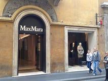 Loja de MaxMara em Roma fotos de stock