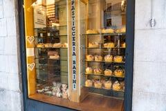 Loja de pastelaria de Pasticceria Barini, Verona, Itália fotos de stock