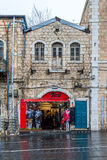 Loja de roupa no Jerusalém, Israel imagens de stock