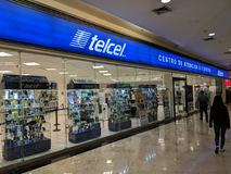 Loja de Telcel situada em San Agustin Mall fotos de stock royalty free