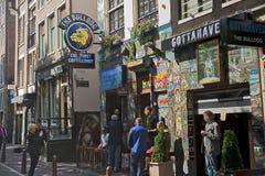 A loja do coffe do buldogue, Amsterdan, Países Baixos Imagens de Stock