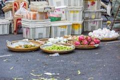 Loja do fruto no mercado Foto de Stock