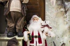 Loja do Natal das lembranças e da joia na cidade de Sainte-Andr em Hungria Imagem de Stock