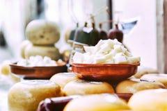Loja do queijo em Amsterdão Fotos de Stock Royalty Free