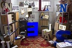 Loja do vintage na exposição Fotos de Stock