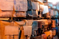 Loja em Hoi An Selling Custom Leather imagem de stock