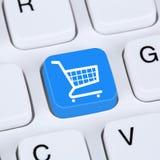 Loja em linha do Internet do comércio eletrônico da ordem da compra do conceito do Internet Imagens de Stock