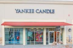 Loja em uma alameda varejo - imagem da vela do ianque foto de stock